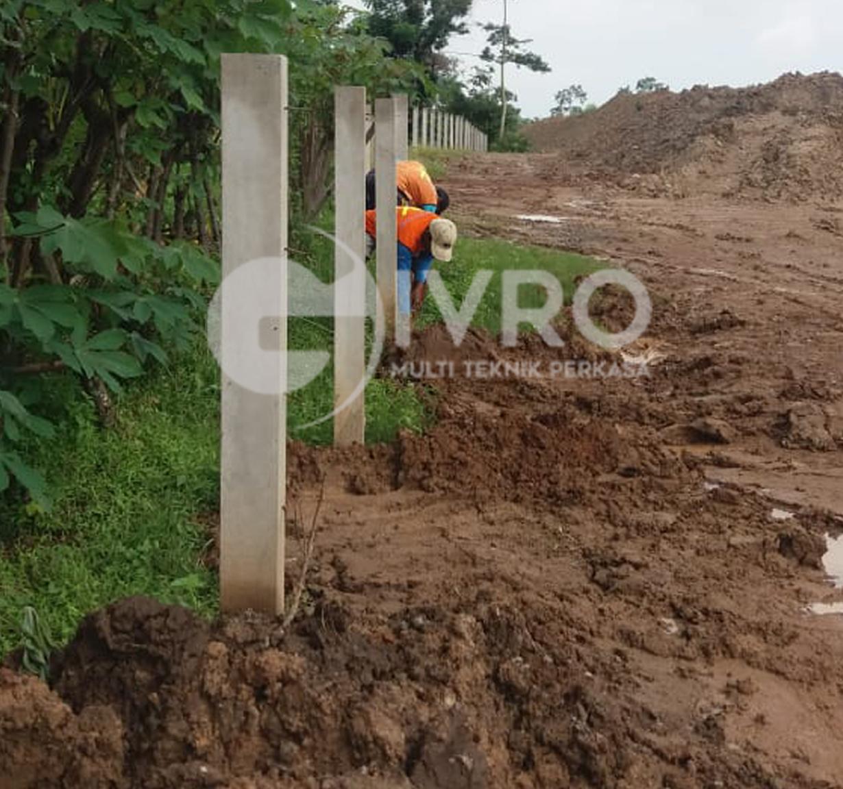 Pemasangan Kawat Duir Jl Tol Panimbang